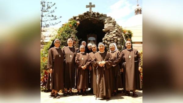 Hermanas del Convento Santa Clara de Trujillo se preparan para la visita del Papa. Son las encargadas de preparar 100 mil ostias para la misa del Sumo Pontífice. (Gentileza: RPP)