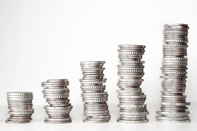 Tips para mejorar tus finanzas si vives solos
