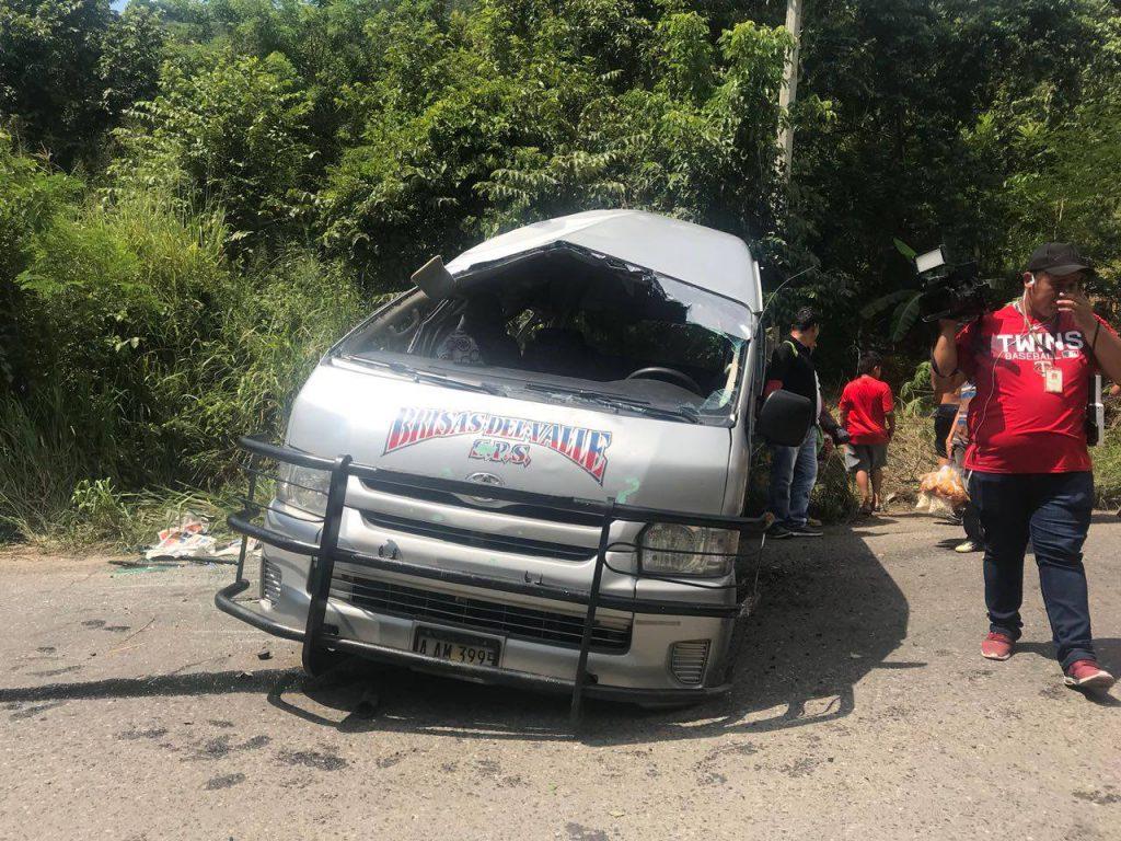 """¡ Varios Heridos ! al impactar """"rapiloco"""" con turismo en carretera a Cofradía, Cortés"""