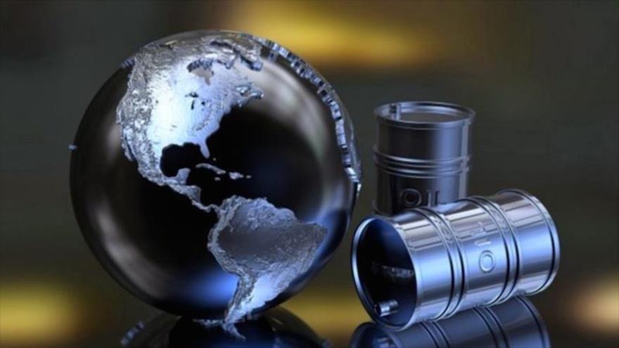 Sube precio del petróleo por caída de exportaciones de Irán y Venezuela