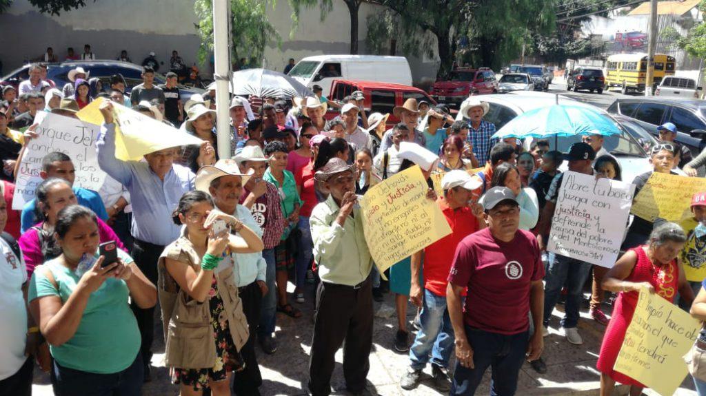 ¡ De Nuevo ! Pobladores de #Reitoca exigen que se detenga construcción de represa sobre río Petacón