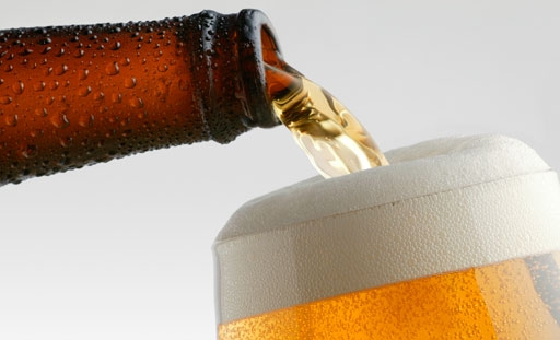Apuñaló al novio en plena boda porque no le dieron más cerveza