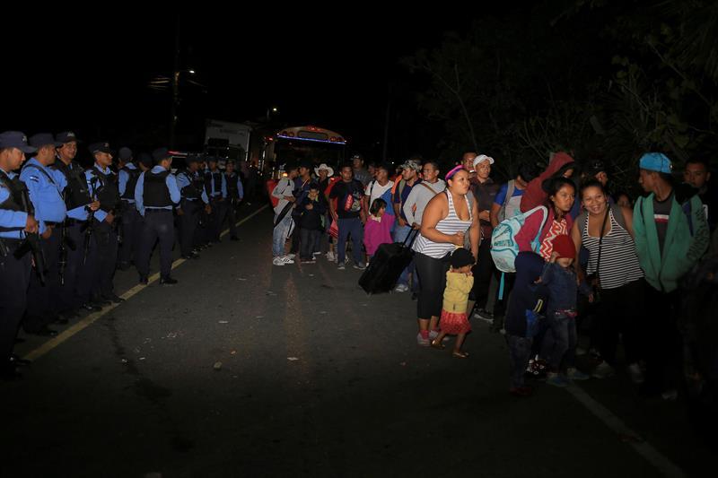 Copeco: Casi 800 personas han emprendido el viaje de retorno desde la frontera con Guatemala