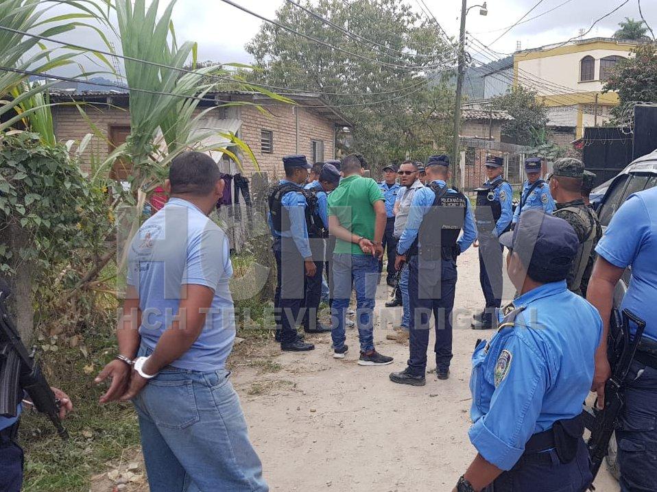 ¡ Detienen a dos colombianos y cuatro hondureños ! durante allanamientos en Marcala, La Paz