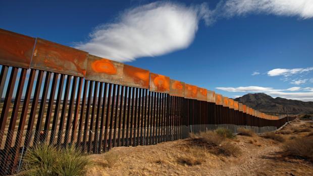 Trump presiona a legisladores sobre el muro fronterizo