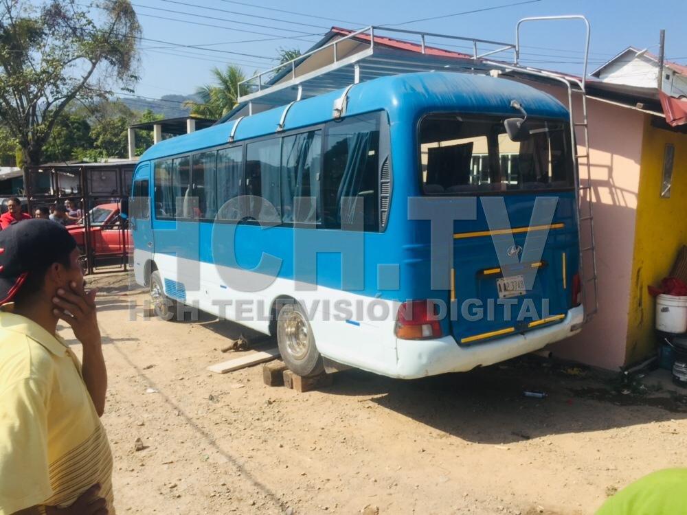 ¡ Hombre muere aplastado ! bajo un bus que reparaba en Taulabé, Comayagua