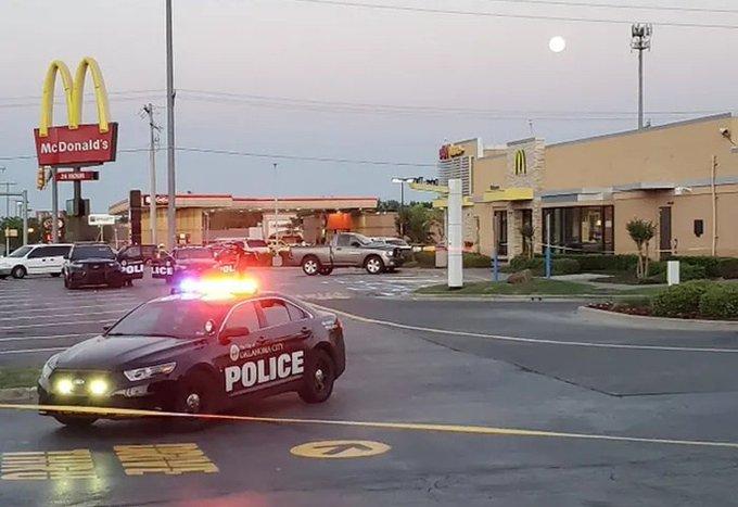 Mujer balea a empleados de McDonald's tras cerrar por emergencia sanitaria