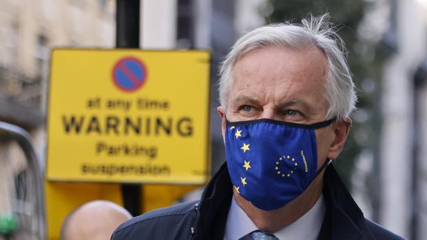 Suspende coronavirus negociaciones entre Reino Unido y UE sobre Brexit